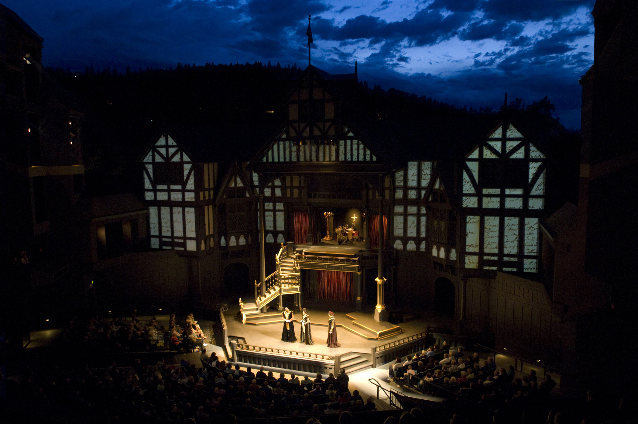 oregon-shakespear-festival-elizabethan-theater
